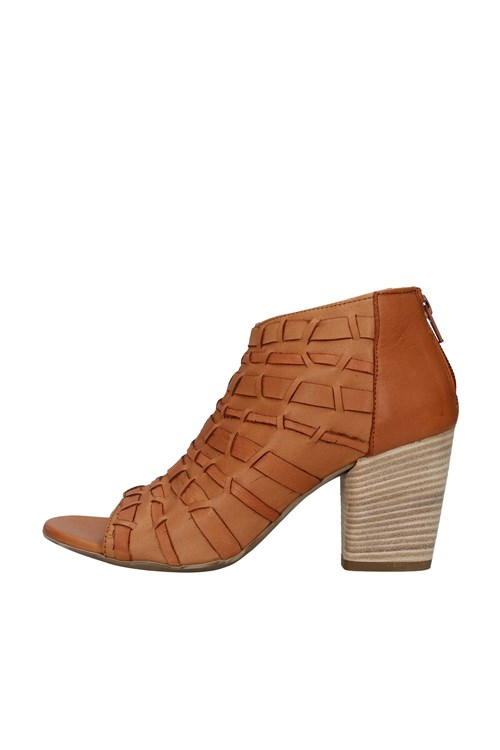 Bueno With heel BROWN